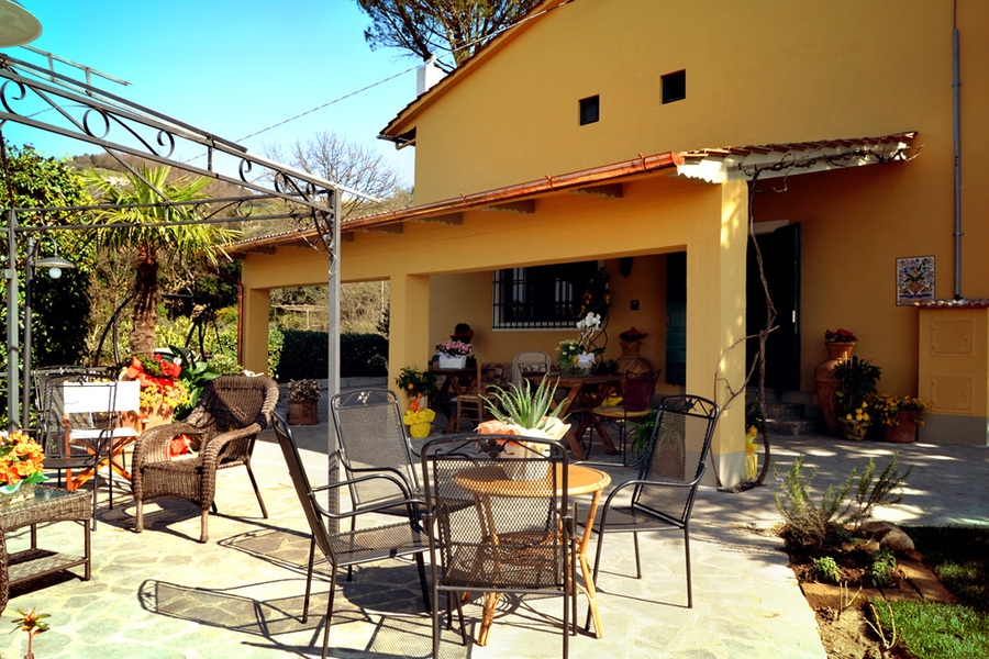 Vista Veranda Esterna - Agriturismo Campo Fiorito - Via Dei Rocchi 190, 51015 - Monsummano Terme (PT) - Toscana - Italia
